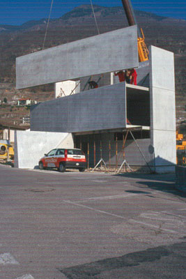 Link to Casa Grossi and prefabricated concrete wall panels